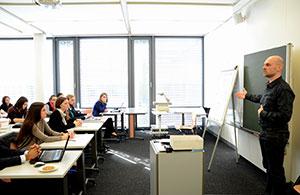 Image En classe -epnll - Ecole de PNL de Lausanne